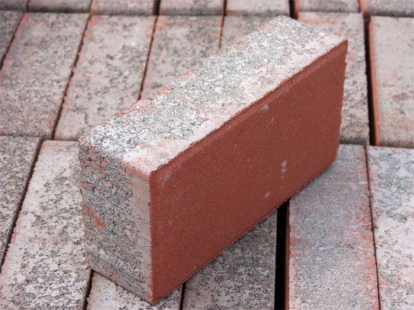10*20水泥面包砖、大量供应水泥面砖、面包砖生产厂家、衡水便道砖生产厂家、衡水厂家直销便道砖、面包砖供应商、