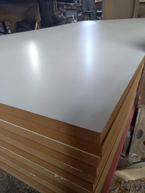 山东临沂贴面密度板中密度板厂家 厨柜板家具板厂家密度板刨花板批发