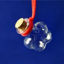 供应批发订做梅花吊饰玻璃瓶   精细手工玻璃瓶  项链香水吊坠瓶批发