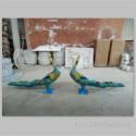 玻璃钢彩色抽象孔雀雕塑图片
