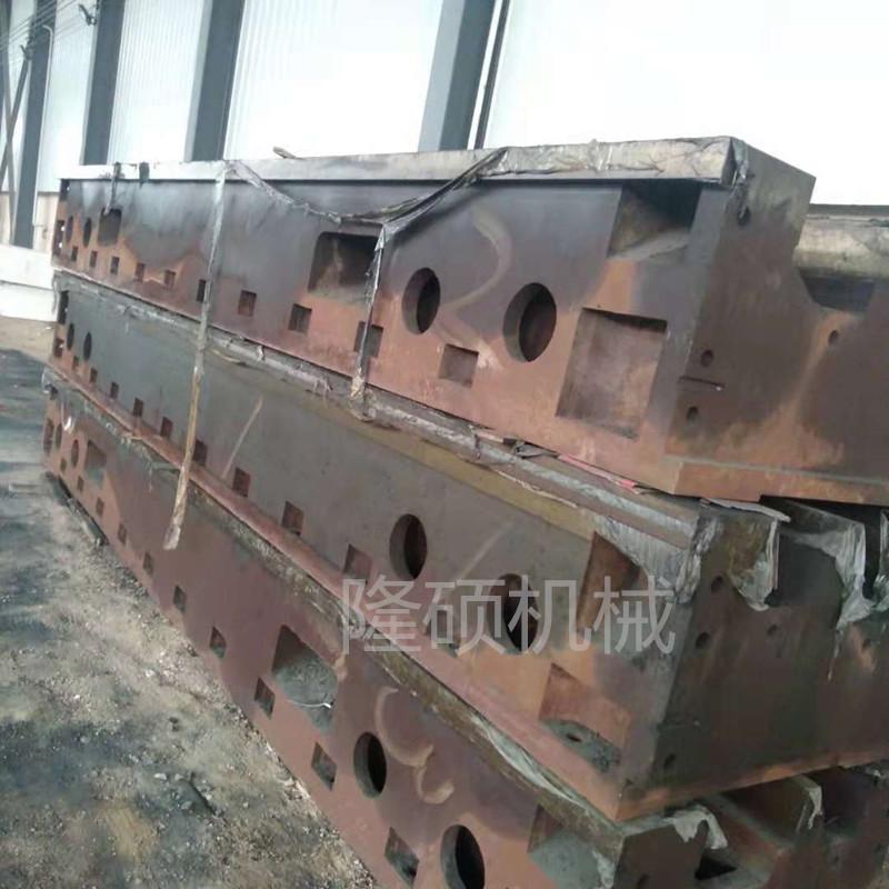 铸铁件厂家A河北床身铸件厂A泊头立柱铸件厂家隆硕 床身铸件立柱铸件