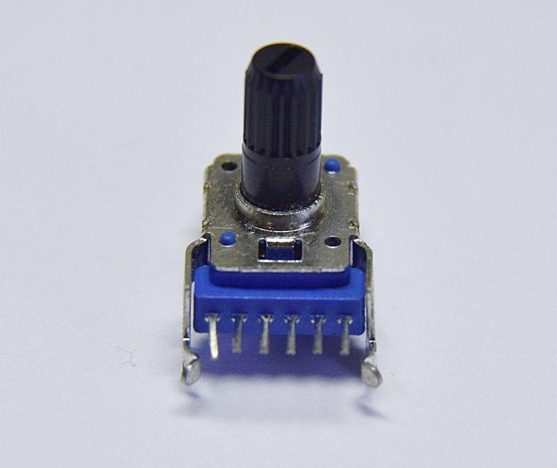 东莞厂家生产高品质环保11MM塑胶柄单联直脚旋转电位器带支架4脚  11MM塑胶柄单联直脚电位器