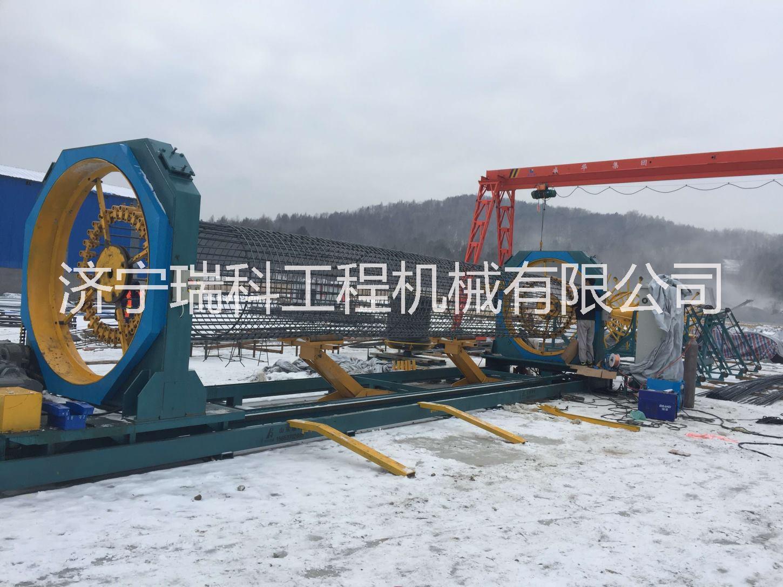 济宁数控钢筋笼滚焊机厂家  全自动数控钢筋笼滚焊机  钢筋笼成型机12米滚焊机