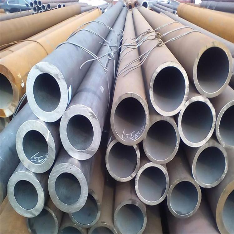 12Cr1MoV合金钢管现货  无缝合金钢管厂家 合金无缝钢管价格