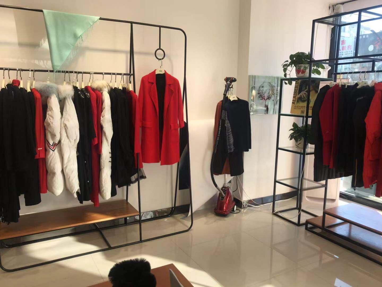 阿莱贝琳品牌折扣店上海女装品牌折扣加盟免费铺货代理女装品尾货库存批发女牌折扣
