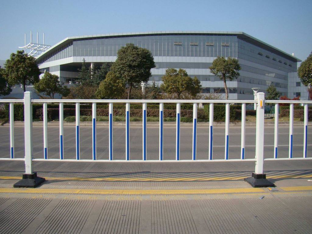 供应市政交通道路隔离护栏-市政防护栏