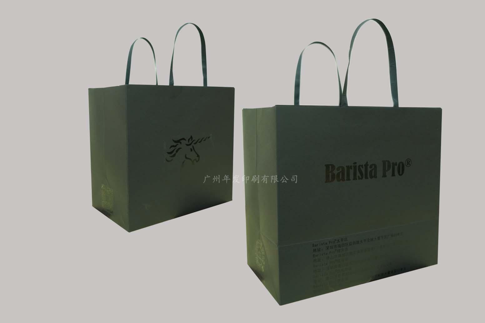 广州厂家年发印刷服装购物袋生产