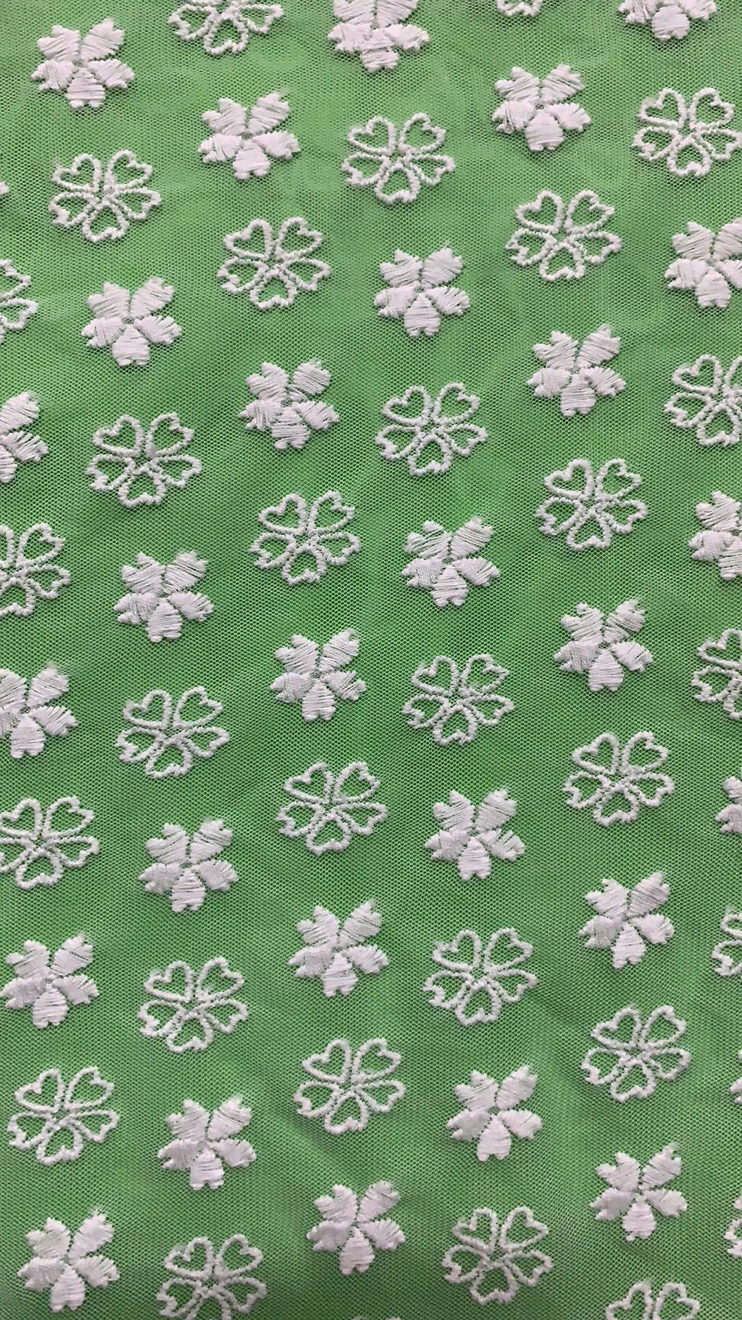 网布刺绣花边面料  时尚女装花边面料