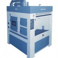 通过式塑胶毛边机  专业生产滚栏式塑胶喷砂机  塑胶转用喷砂机 转盘式自动毛边机