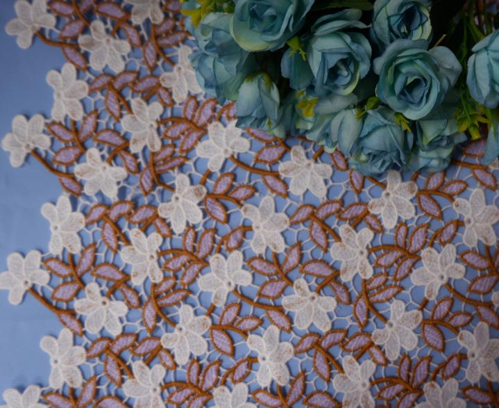 水溶刺绣花边双色棉线花边满幅,时尚女装刺绣花边