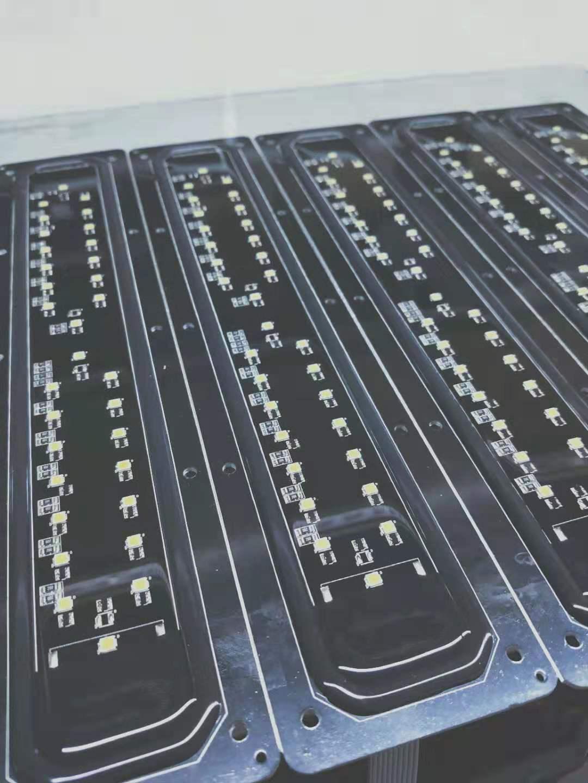 东莞黄江滴胶加工厂家 LED显示屏表面透明滴胶涂覆加工 滴胶加工批发
