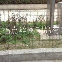 大量供应公路护栏网,双边丝围栏网现货批发