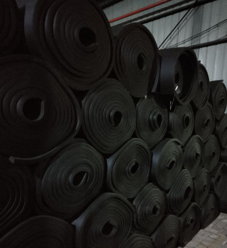B1橡塑板 橡塑保温板 阻燃橡塑保温板 厂家定制 量大优惠