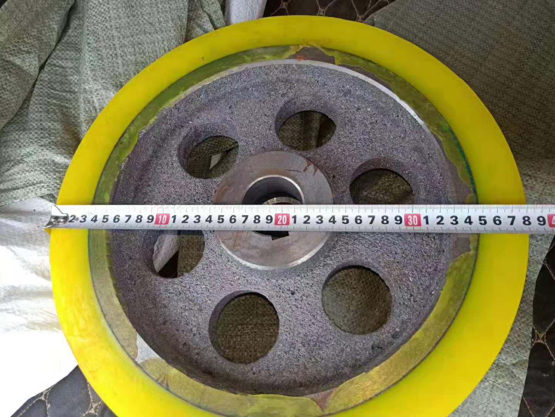 云南聚氨脂摩擦轮 瑞港设备铸钢一体胶块 夹砖机气囊垫 模框防撞块