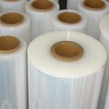 PE缠绕膜500*0.02 缠绕膜拉伸膜保护包装膜 上海PE缠绕膜厂家_上海传富包装欢迎咨询
