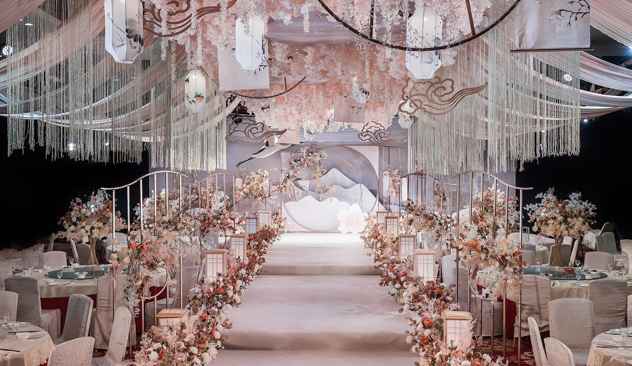 新中式婚礼含布置和人员哈尼婚礼一站式服务