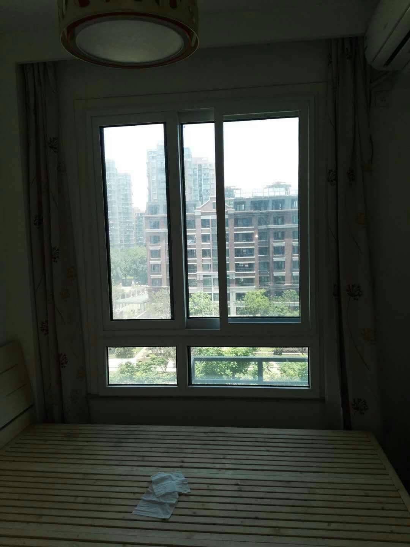夹胶玻璃隔音窗价格效果   供应商【广州平逸门窗有限公司】