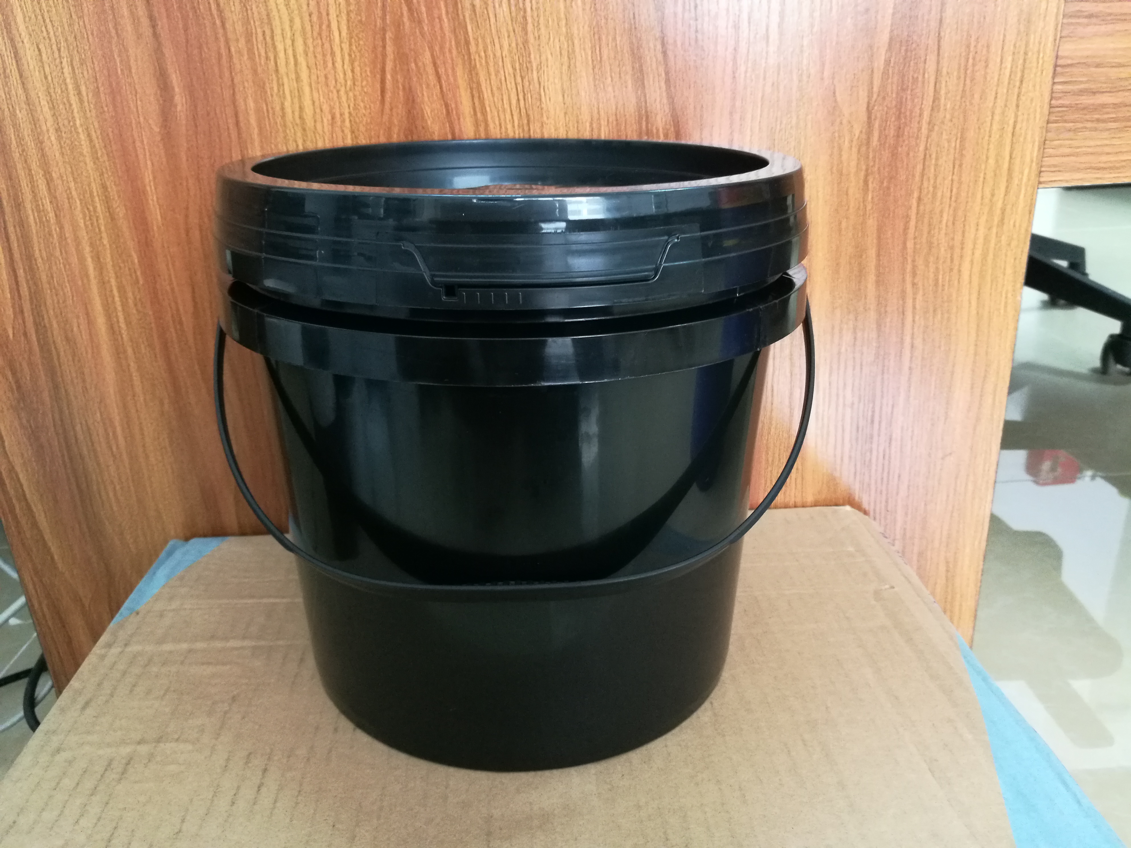 5L塑胶桶制品_厂家直销东莞塑胶良群塑料桶专业厂家_欢迎致电咨询 18L塑胶桶制品 5L塑胶桶制品