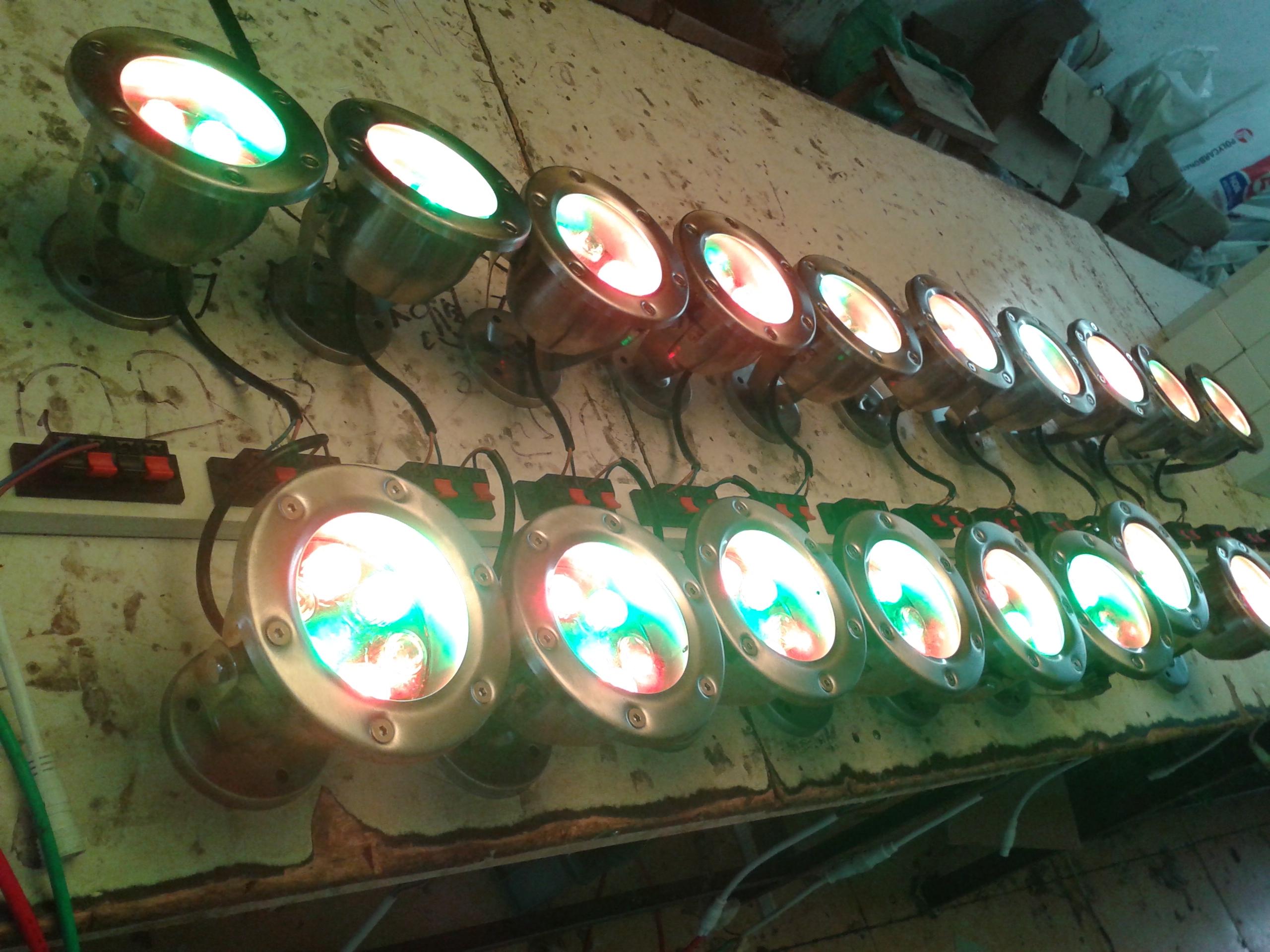 厂家直销喷泉灯 七彩水底灯厂家 不锈钢面水底喷泉灯
