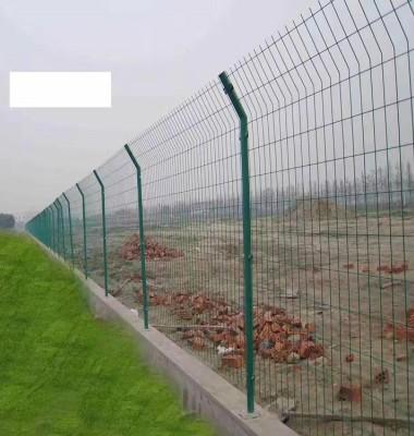 圈地护栏网图片/圈地护栏网样板图 (4)